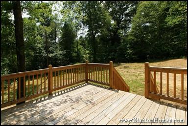 Choosing between a screen porch and deck | Outdoor Living Design