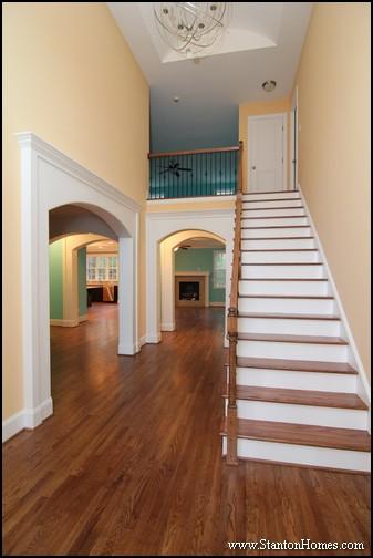 17 Interior Column Styles Inside New Custom Homes