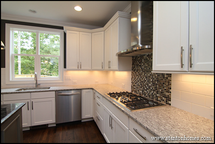 Are white kitchen cabinets in style for 2014?