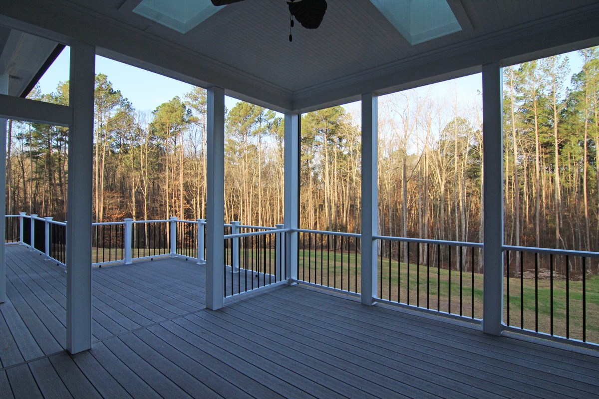 GrandLodgeScreenPorch
