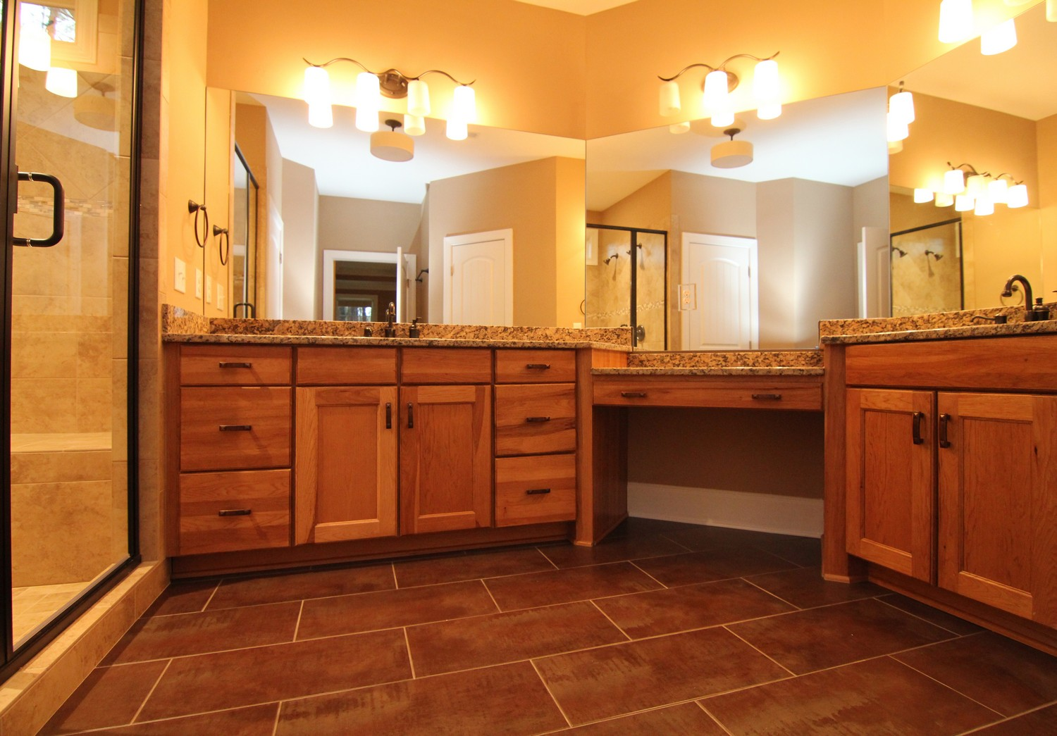 LakeHouseMasterBath4