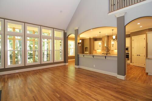 21 best ways to style interior columns from wainscot to for Columns in houses interior