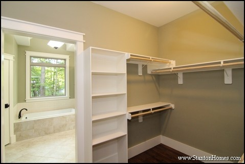 Walk in closet dimensions best size for a master closet for Walk in closet square footage