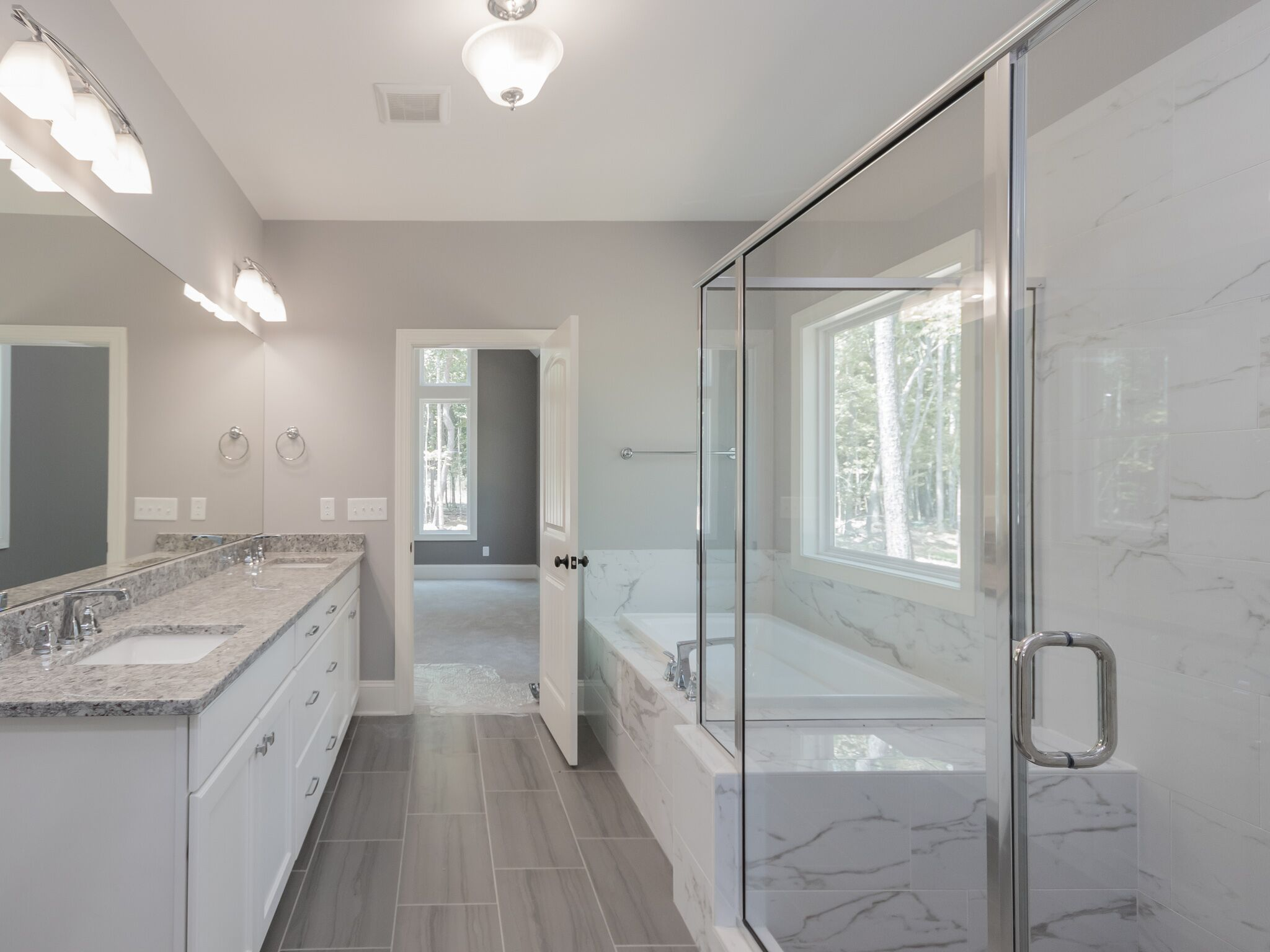 Mackinaw master bath Horizon
